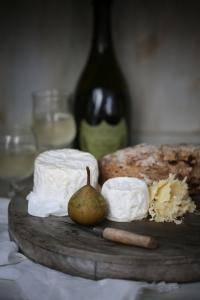 fig wine cheese